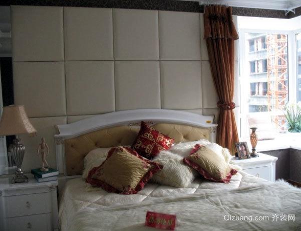 30平米欧式风格卧室软包背景墙装修效果图