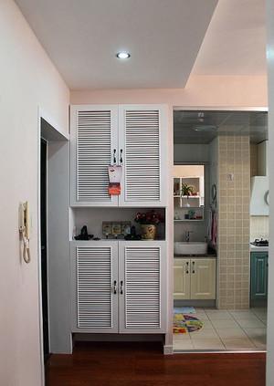 欧式风格大户型客厅隔断鞋柜装修效果图
