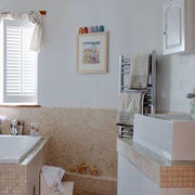 浅色清爽的卫生间设计