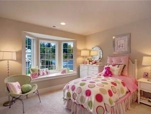 小女生卧室飘窗设计