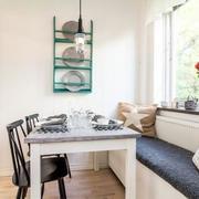 可用作餐椅的飘窗设计