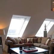 斜顶阁楼客厅装修