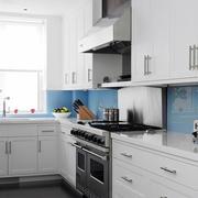 L字形厨房设计