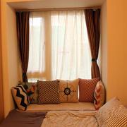 暖色调小卧室