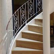 朴实复式楼铁艺旋转楼梯设计