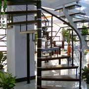 时尚复式楼铁艺旋转楼梯设计
