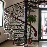 经典复式楼铁艺旋转楼梯设计