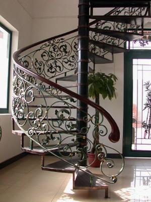 时尚大气:复式楼铁艺旋转楼梯装修效果图