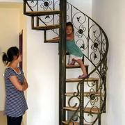 宜家复式楼铁艺旋转楼梯设计