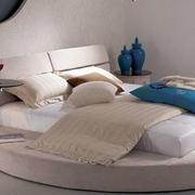 榻榻米式床睡觉