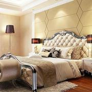 卧室奢华床铺设计