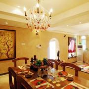 餐厅暖色灯光设计