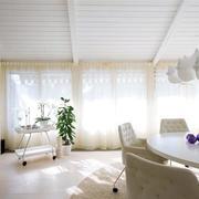 清纯白色窗帘装修