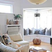 纯白色客厅吊灯