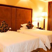 宾馆卧室床头软包设计