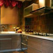 暖色调欧式厨房