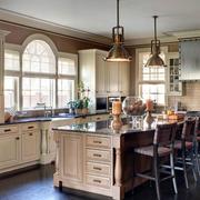 欧式原木厨柜设计