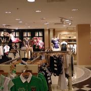 空间合理安排的服装店