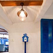 小型一居室之镂空隔断门设计