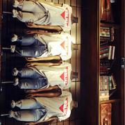 欧式小型女装店陈列图