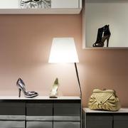女装店创意型柜台设计