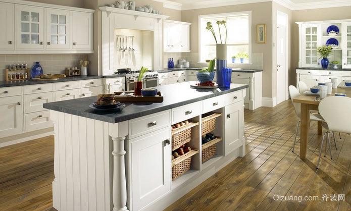 2015别墅欧式风格厨房装修效果图