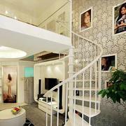 文艺色彩楼梯装修图片