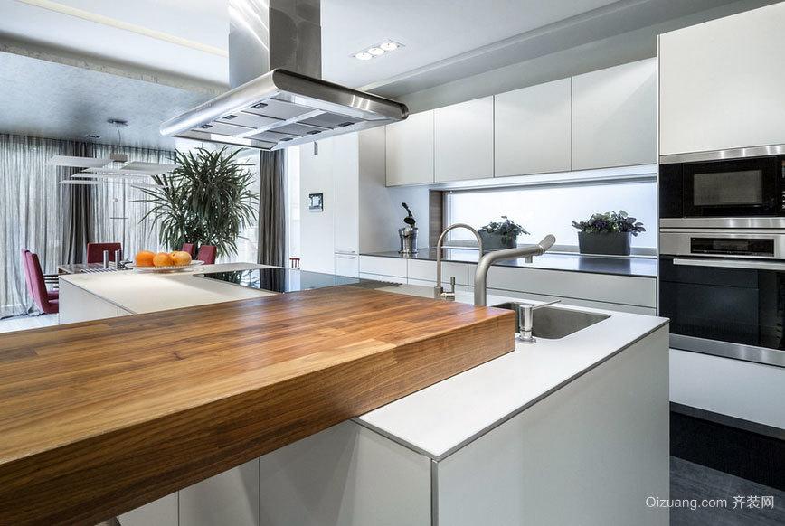 经典奢华的欧式开放式厨房装修效果图