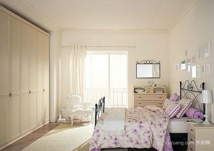 爱的小屋:30平米现代简约风格小卧室装修图