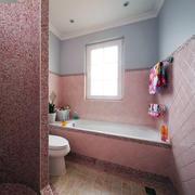 粉色卫生间浴缸设计