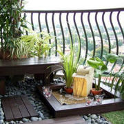 阳台原木桌椅设计