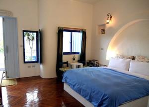 海天一色:两室一厅地中海风格卧室设计