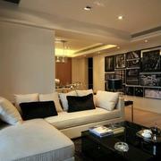 客厅大面积的装饰画