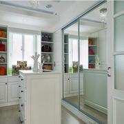 三室两厅衣帽间镜子设计