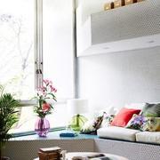 公寓飘窗小书房图