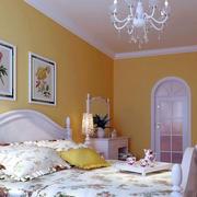 卧室床头照片墙设计