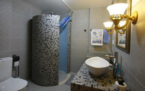精心格局:16平米欧式小卫生间装修设计
