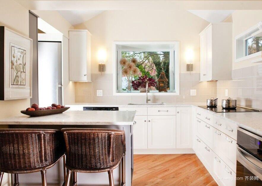 高颜值高才能的整体厨房装修效果图欣赏