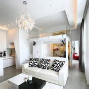 新房客厅花瓣大吊灯欣赏