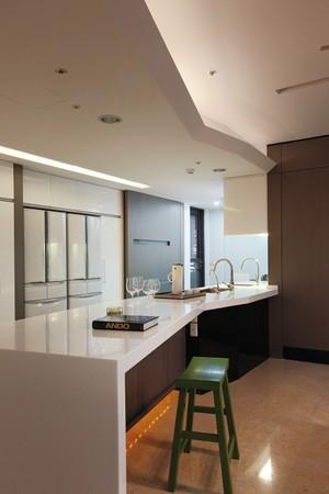 90平小户型公寓新潮交换空间装修效果图