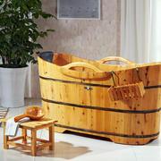 卫生间原木材料浴缸装修