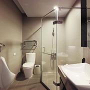 白色卫生间空间设计