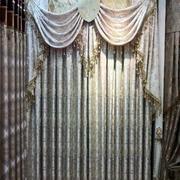 冷色调飘窗窗帘设计