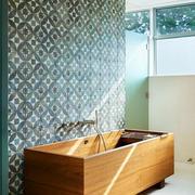卫生间矩形浴缸装修