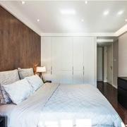 公寓卧室白色大衣柜