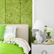 果绿色卧室墙面设计