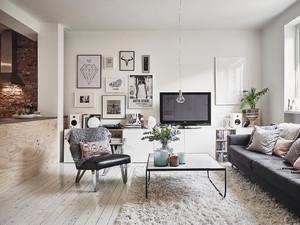 惟吾德馨:颇具韵律的欧式大户型客厅装修图
