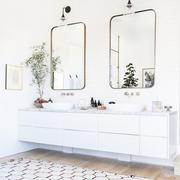 白色优雅型卫生间穿衣镜