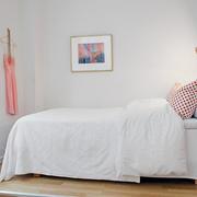 白色精美优雅型小卧室