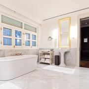 白色淡雅型卫生间浴室